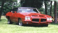 1971 Pontiac GTO, The picture I put in the local car trader to sell this GTO in 1998. I waxed the car for 8 days to get it this shiny! Sold it for $8300, what a steal!, exterior