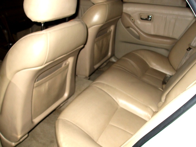 1995 Infiniti J30 4 Dr STD Sedan picture, interior