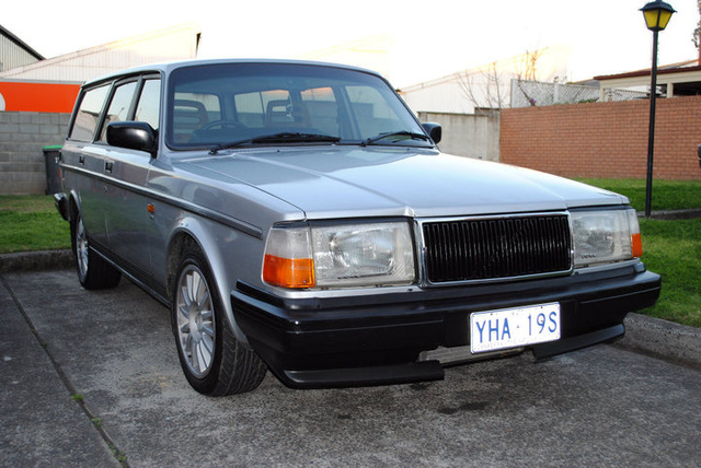 Picture of 1991 Volvo 240