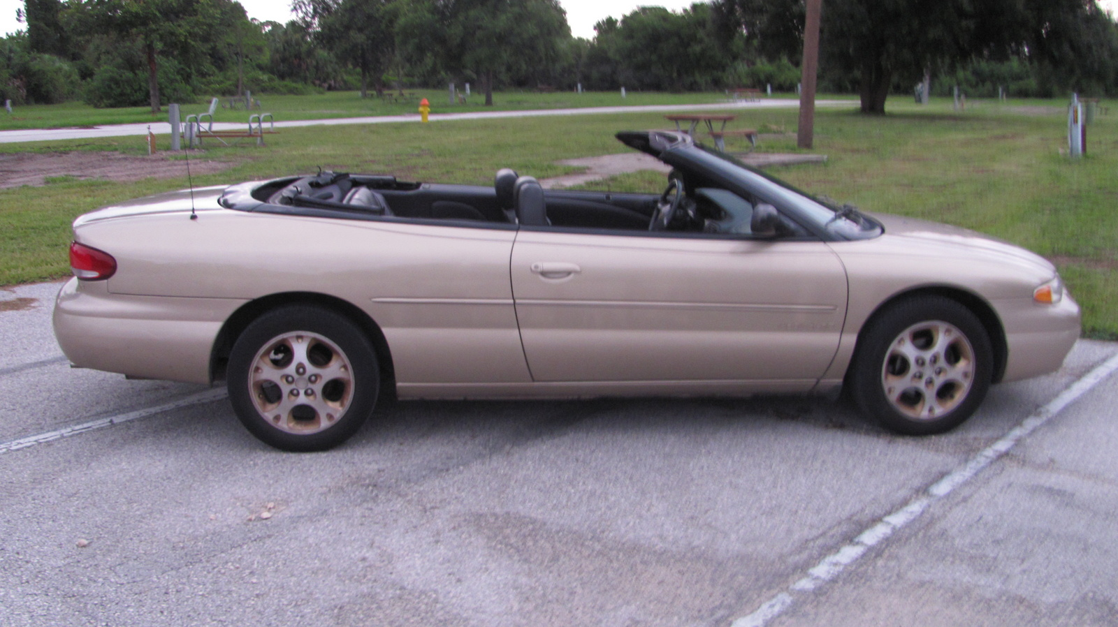 is a 2002 chrysler sebring convertible a good car. Black Bedroom Furniture Sets. Home Design Ideas