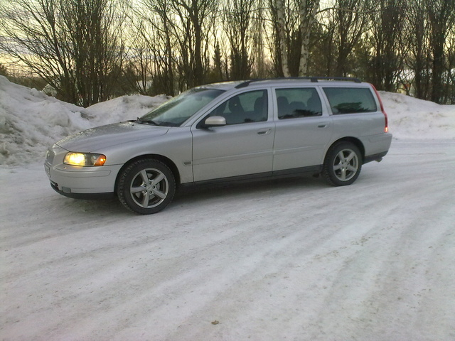 Picture of 2005 Volvo V70 2.5T
