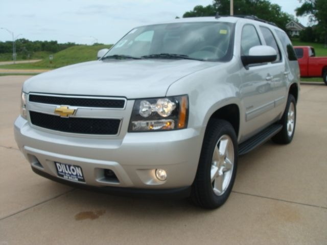 Picture of 2010 Chevrolet Tahoe