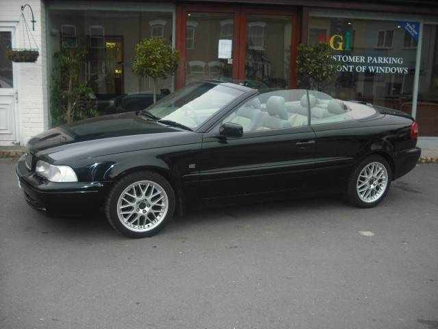 2000 Volvo C70 2 Dr HT Turbo Convertible picture