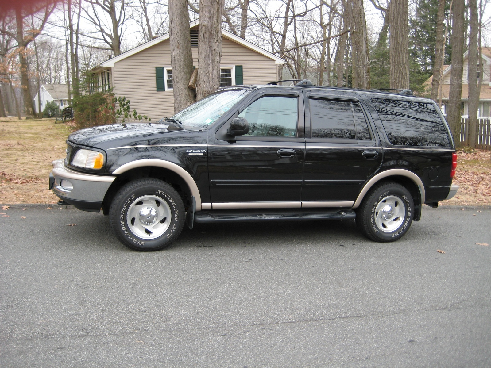 2003 ford expedition exterior dimensions. Black Bedroom Furniture Sets. Home Design Ideas