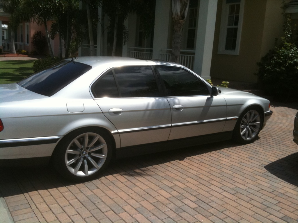 2000 BMW 7 Series picture