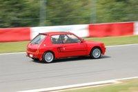 1984 Peugeot 205, Ik op het circuit, exterior