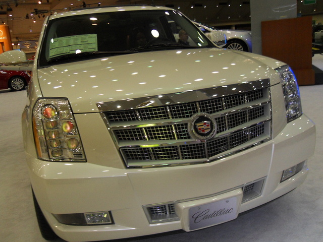 Picture of 2011 Cadillac Escalade Premium AWD, exterior, gallery_worthy