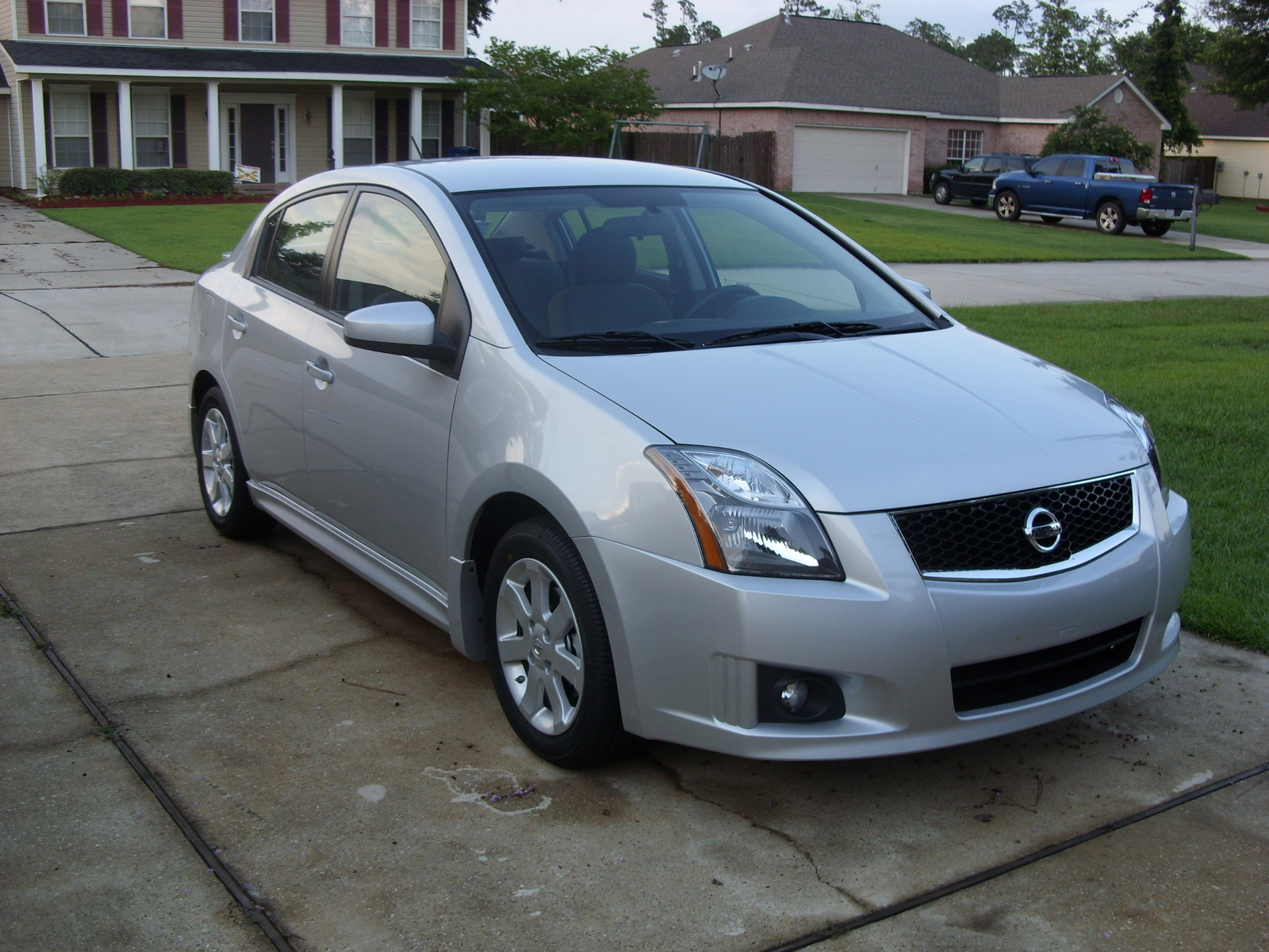 2010 nissan sentra pictures cargurus. Black Bedroom Furniture Sets. Home Design Ideas