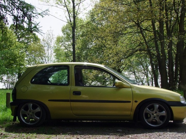 Picture of 1998 Vauxhall Corsa