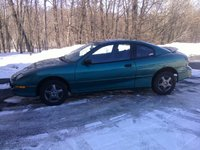 1996 Pontiac Sunfire 2 Dr SE Coupe, that was my baby i sold it to my cousin, exterior