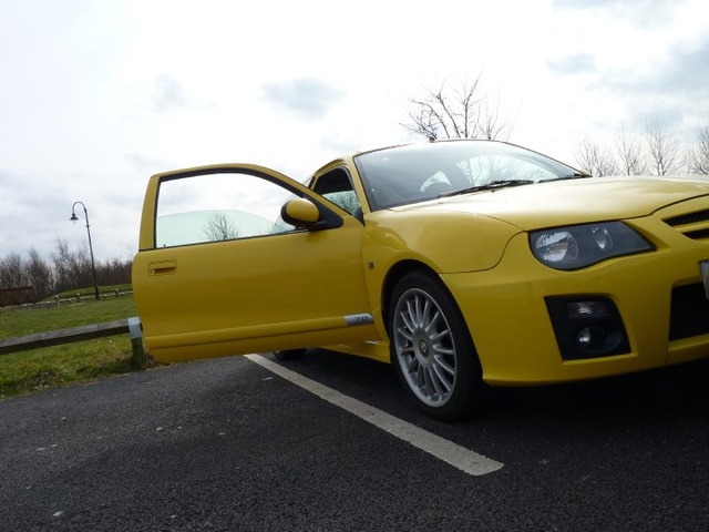 Picture of 2005 MG ZR
