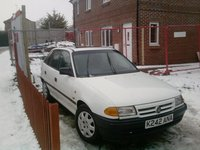1993 Vauxhall Astra Overview