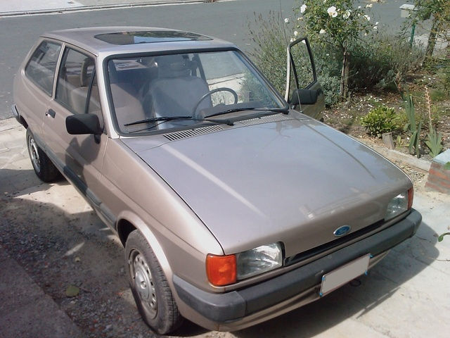 Picture of 1984 Ford Fiesta