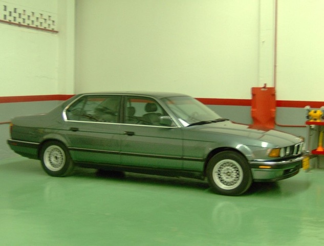 Picture of 1990 BMW 7 Series