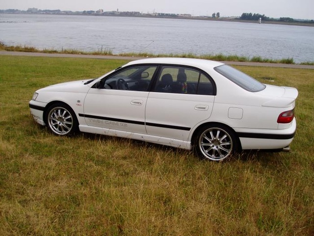 Picture of 1996 Toyota Carina