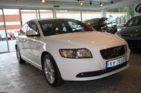 2010 Volvo S40 Picture Gallery