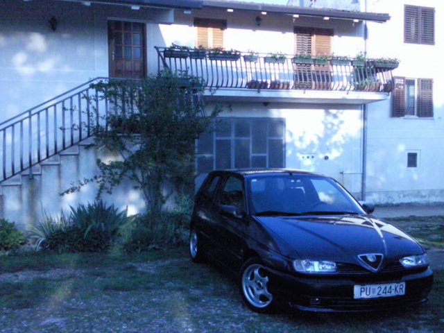 Picture of 1996 Alfa Romeo 145