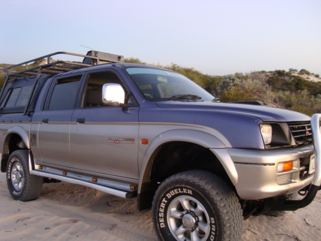 Picture of 1998 Mitsubishi Triton