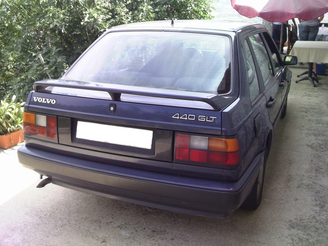 Picture of 1992 Volvo 440