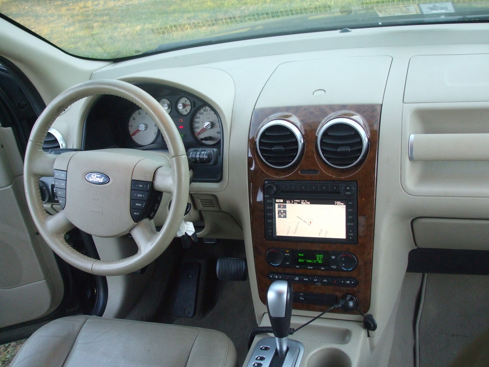 2007 Ford Freestyle - Interior Pictures - Picture of 2007 Ford ...