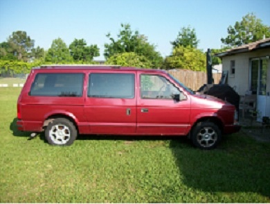 Picture of 1990 Plymouth Voyager SE