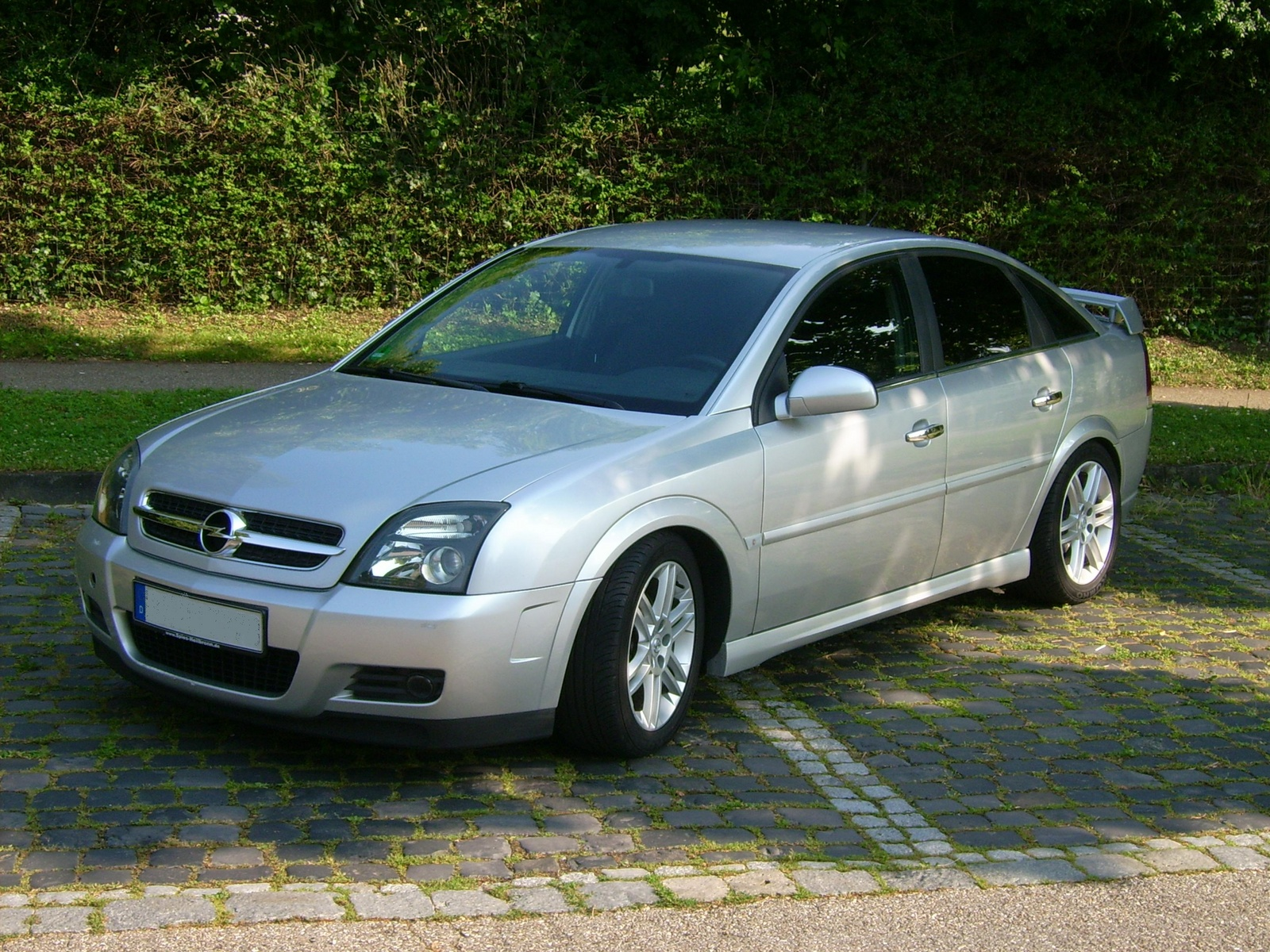 Looking for a Used Vectra in your area?