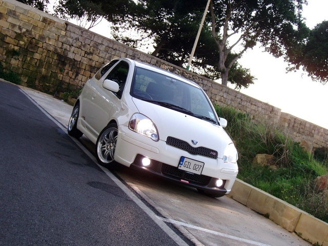 Picture of 2001 Toyota Vitz