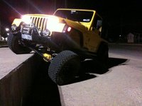 2000 Jeep Wrangler Sport, Straight wall, 3 inches lower, same travel :), exterior