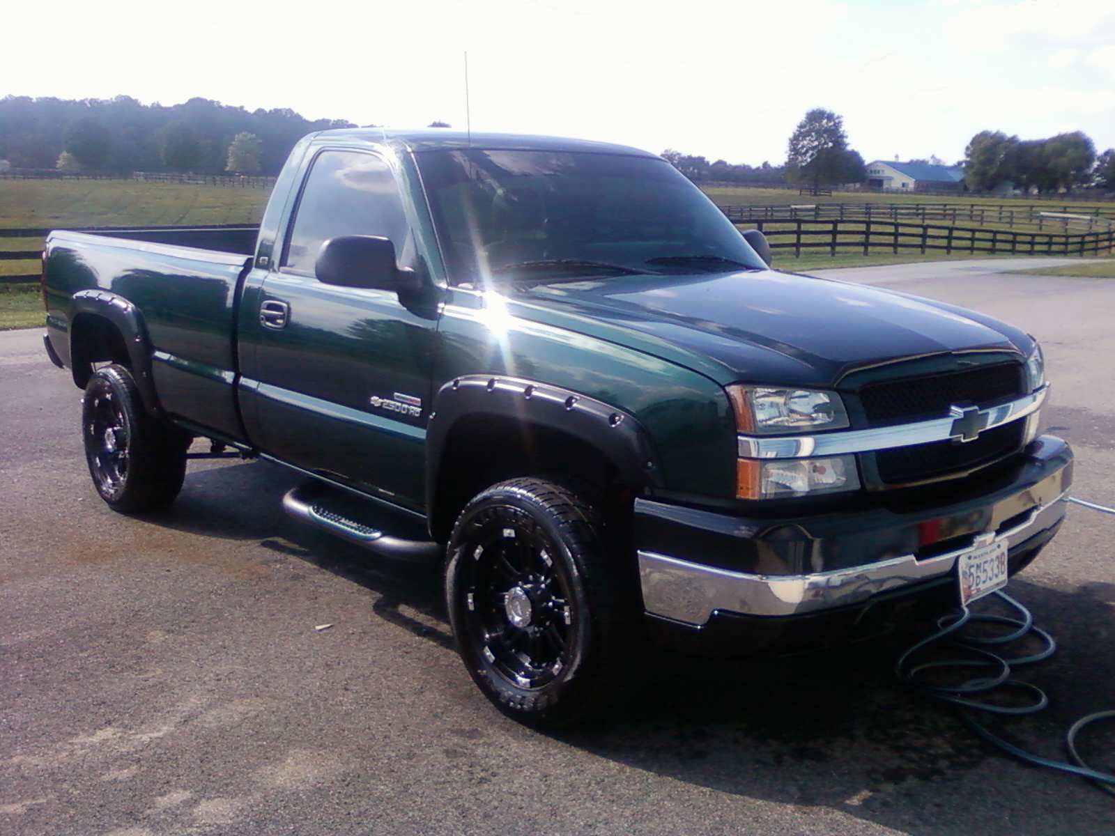 picture of 2004 chevrolet silverado 2500hd 2 dr work truck standard. Cars Review. Best American Auto & Cars Review
