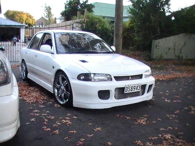Picture of 1994 Mitsubishi Lancer Evolution