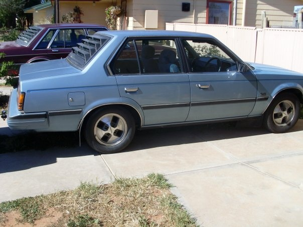 1985 Toyota Corona, The beast, 5th Companion to the navara - replaced the Datsun, exterior