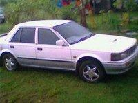 1990 Nissan Bluebird Overview