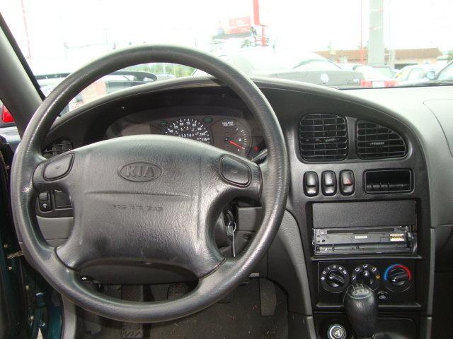 Kia Sephia Dr Std Sedan Pic X
