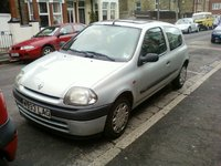 2000 Renault Clio Picture Gallery