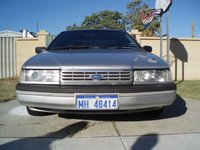 1994 Ford Fairlane Overview