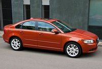 2011 Volvo S40 Overview
