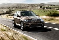 2011 BMW X5 xDrive35i, front three quarter view , exterior, manufacturer
