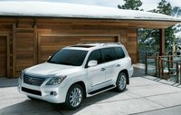 2011 Lexus LX 570, front three quarter view , exterior, manufacturer