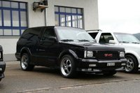 1993 GMC Typhoon Overview