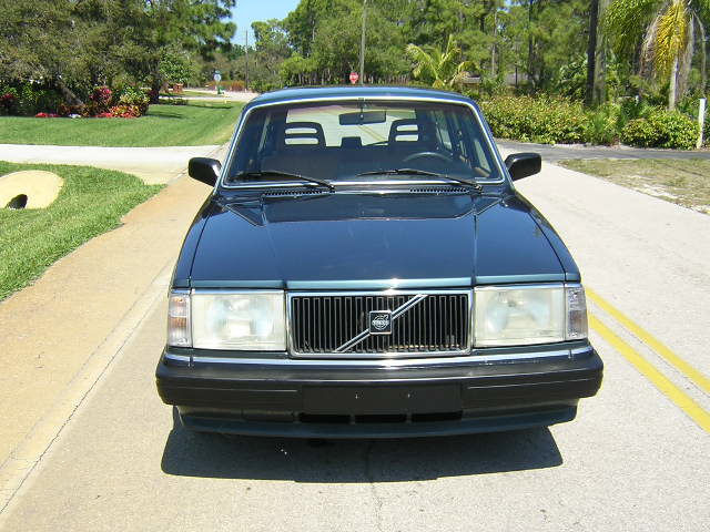Picture of 1989 Volvo 240