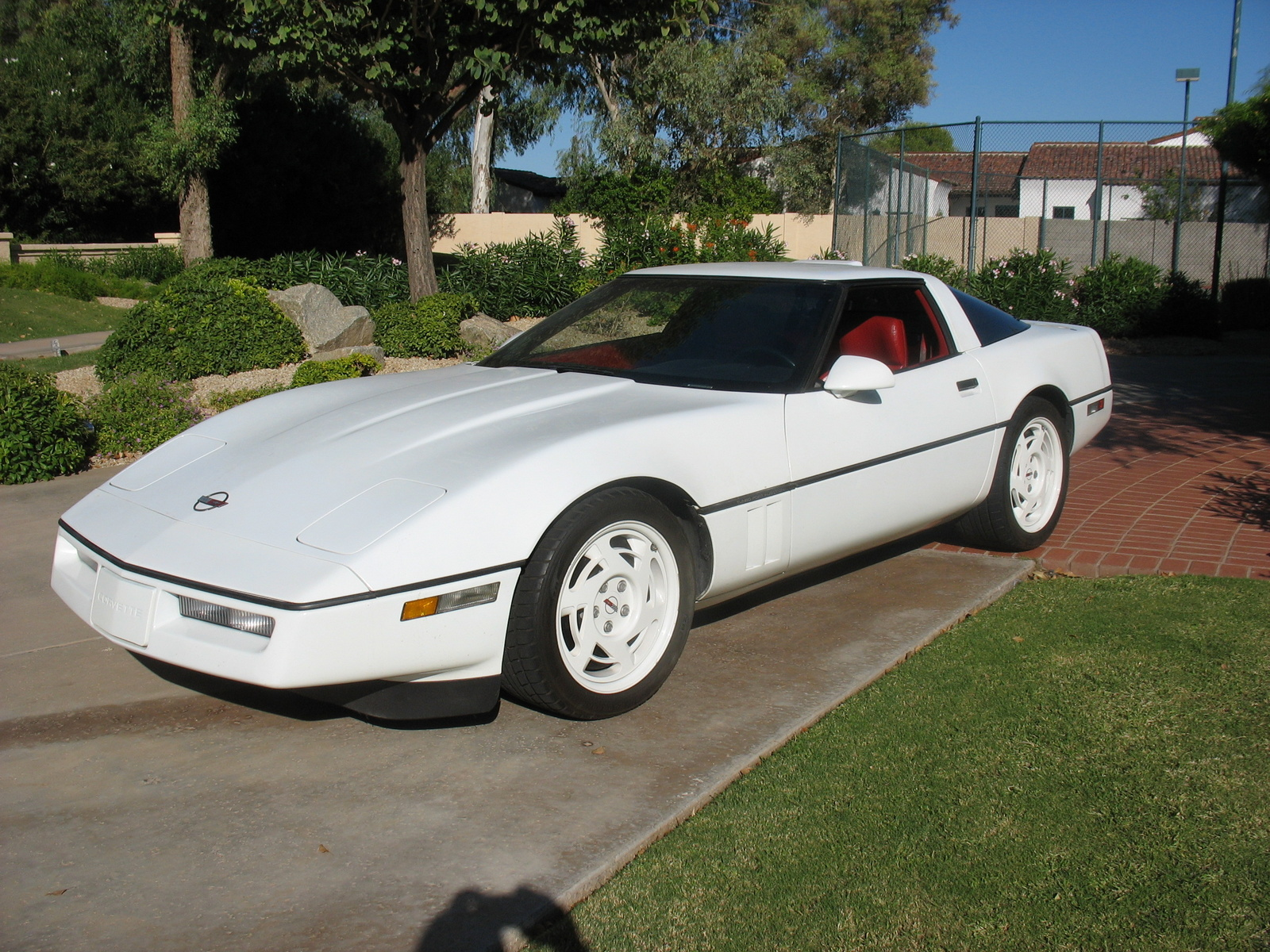 1990 Chevrolet Corvette Coupe, 1990 Corvette, exterior