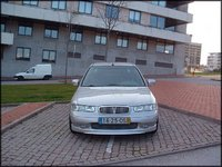 2000 Rover 400 Overview