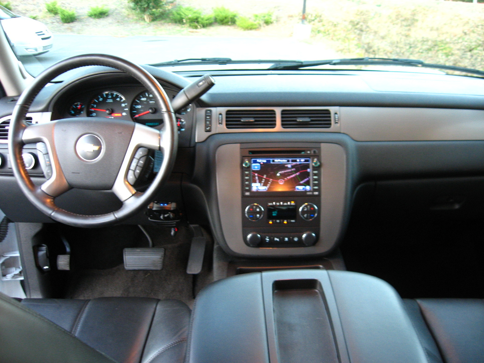 chevrolet avalanche interior ebony - photo #47