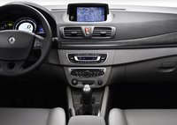 2010 Renault Megane, Steering wheel and sound system. , interior, manufacturer