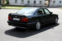 1992 BMW M5 Overview