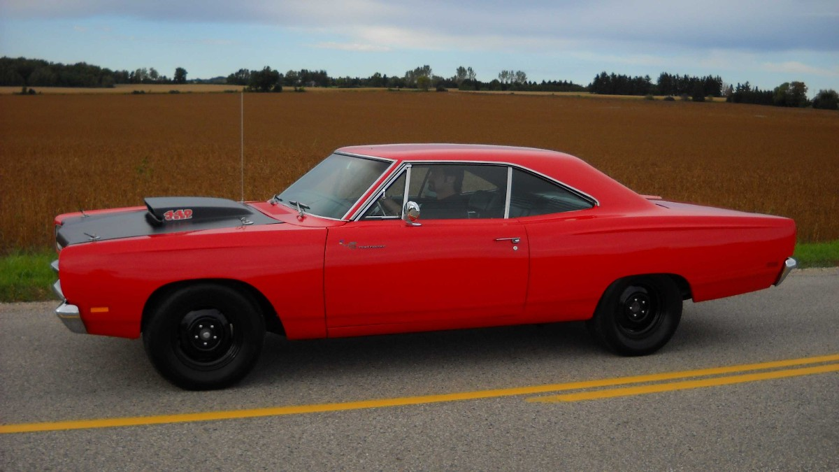 1969_plymouth_road_runner-pic-8390575541