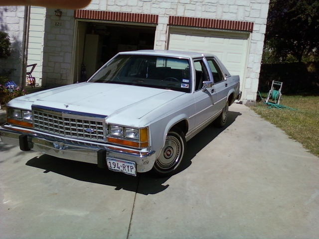 Picture of 1987 Ford LTD Crown Victoria