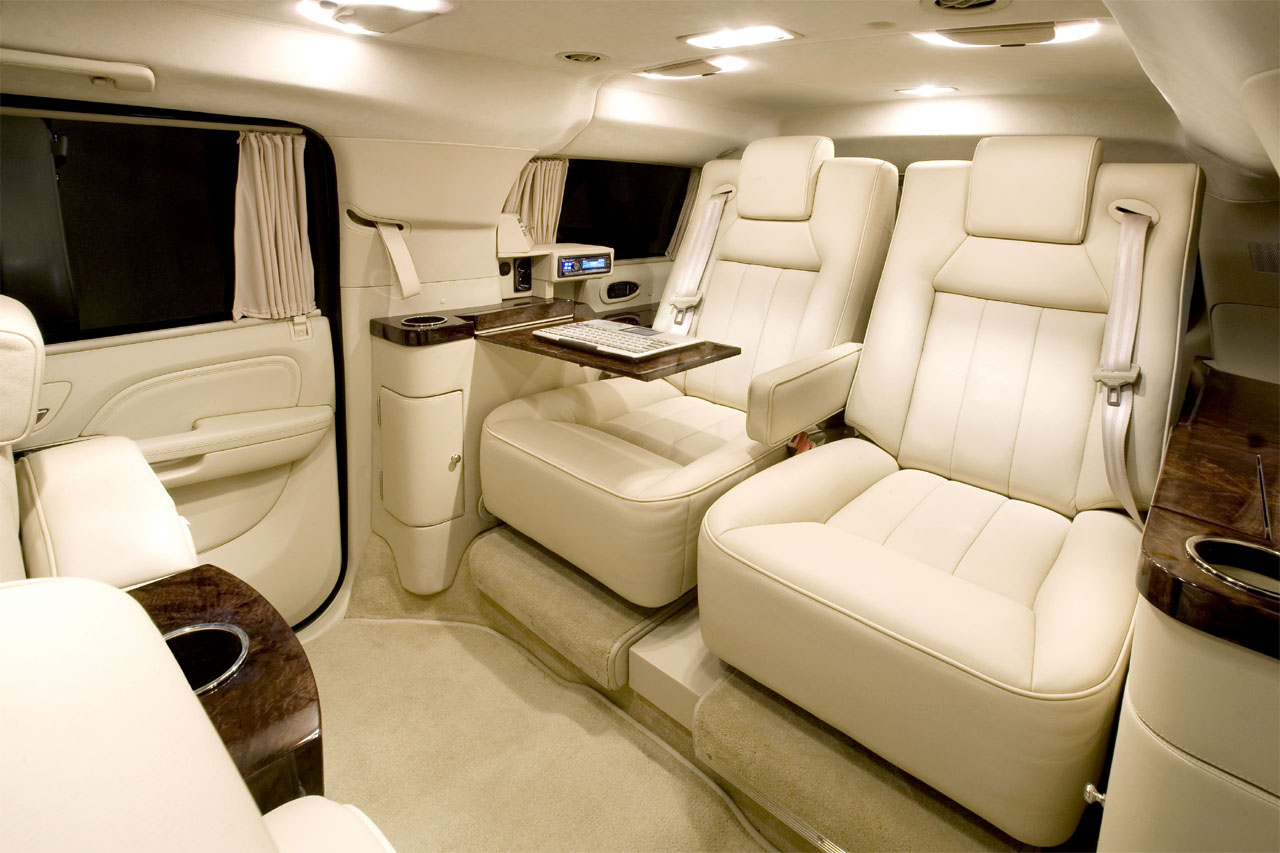 2011 cadillac escalade esv pictures cargurus for Interieur limousine