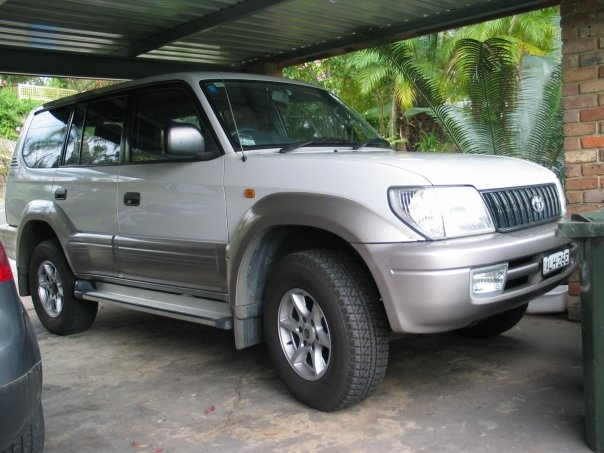 2002 Toyota Land Cruiser Prado, had all the bumpers resprayed due to previous owner being unable to judge distances!!, exterior