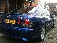 2002 Lexus IS 200 Overview